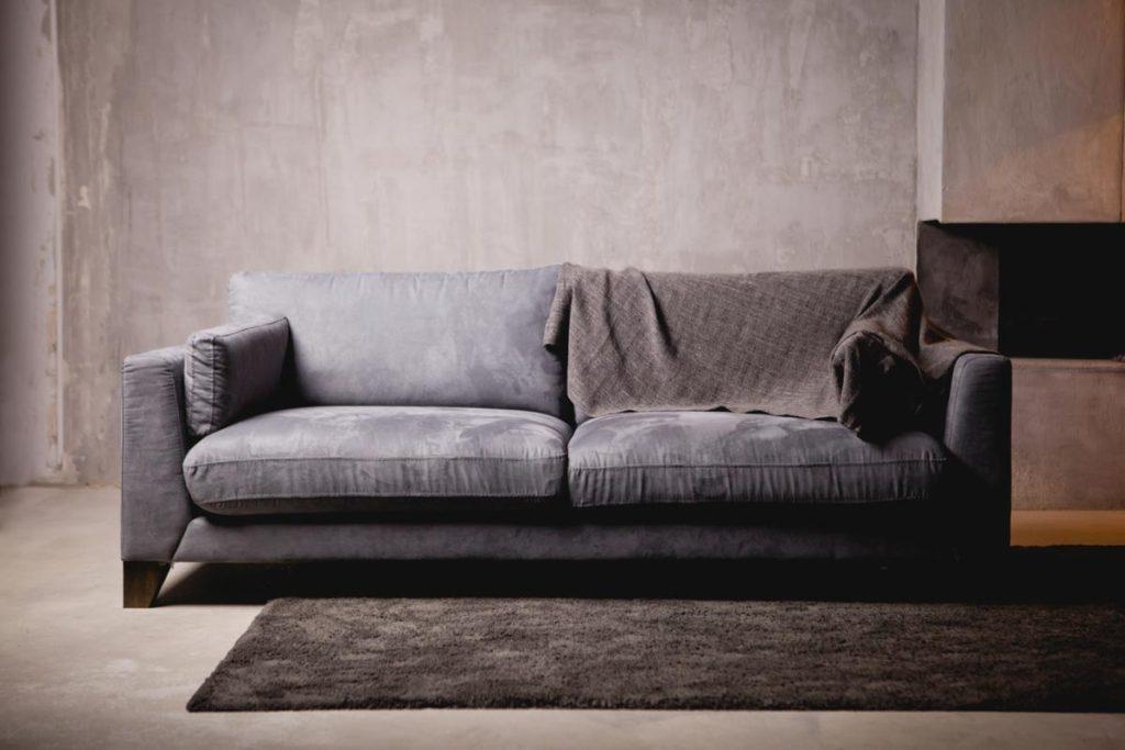 Produzione e vendita divani su misura a bergamo giesse - Divani stretti e lunghi ...